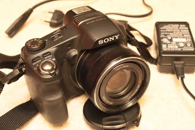 Sony DSC HX-200V Zeiss Vario-Sonnar 27-810mm 1:2.8-5.6