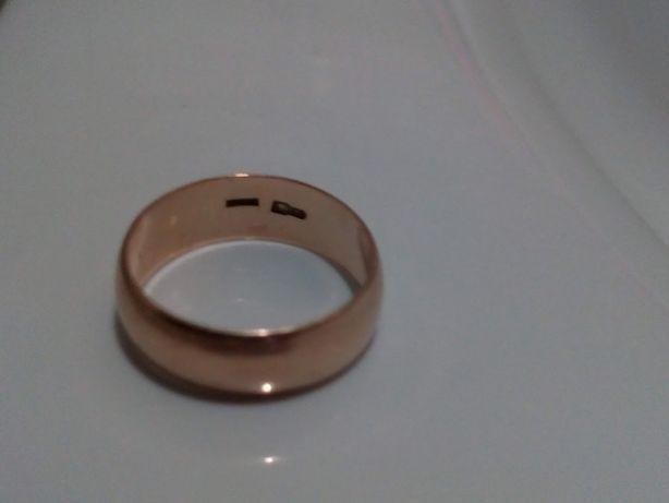 Золотое обручальное кольцо 583 пробы, 4,32 гр., размер 18