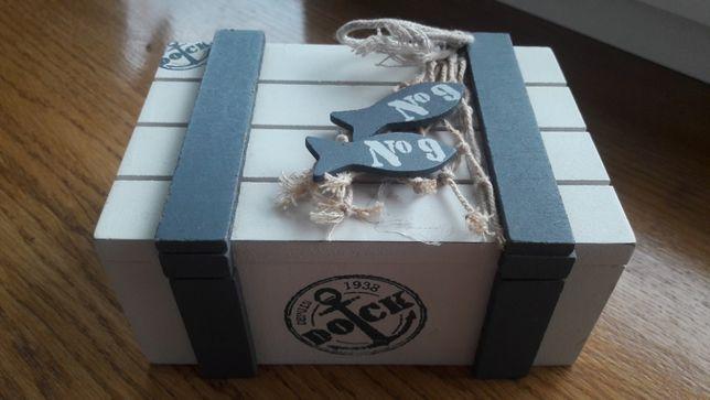 Szkatułka biała drewniana styl morski,pudełko rybka