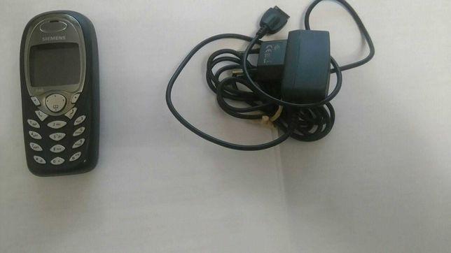 Телефон Siemens в комплекте с зарядкой