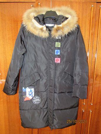 зимова чорна куртка плащ  на дівчинку р.140