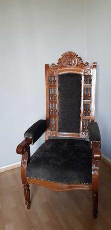 Stylowy, drewniany fotel - tron