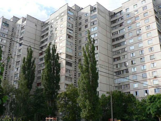 Сдам срочно комнату Алексеевка  метро LS-9