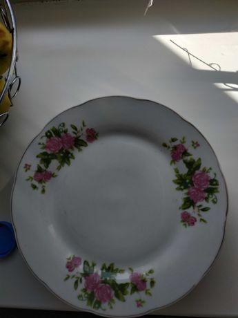 Посуда: тарелки,блюдо под торт