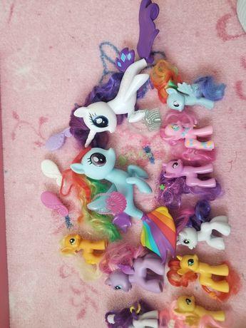 Pony kucyki różnej wielkości