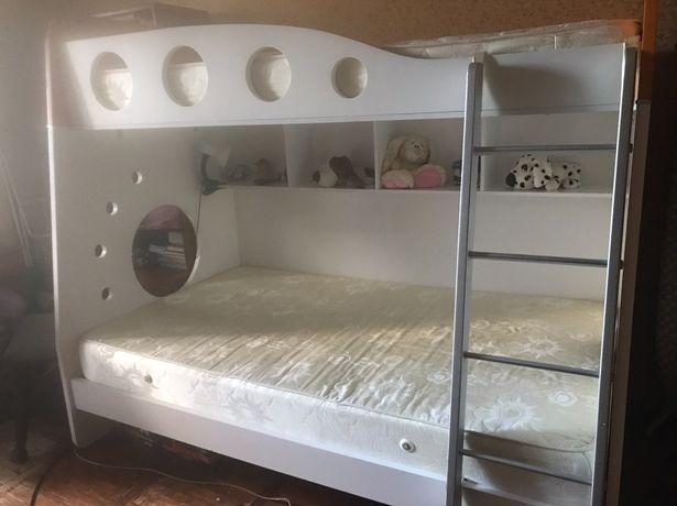 Дитяче ліжко двохярусне