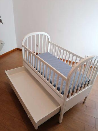 cama de bebe em madeira 120x60