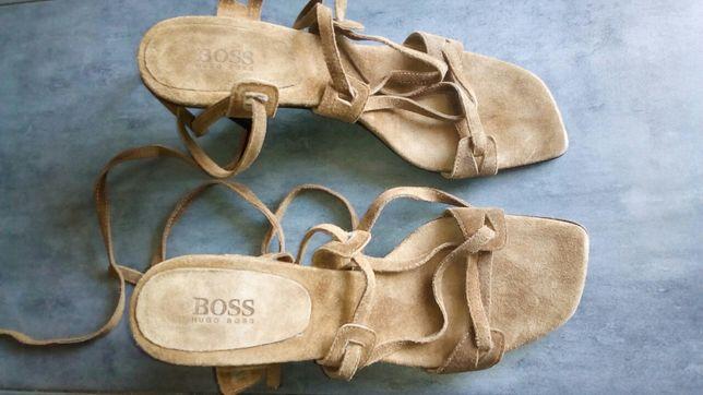 Продам жіночі Фірмові Босоніжки натур.замш(Huqo Boss)італія