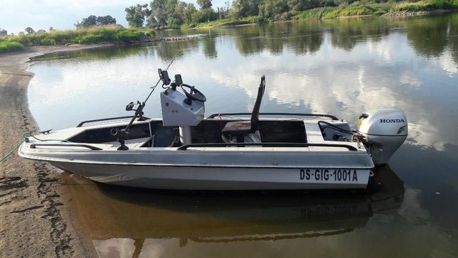 Łódka z silnikiem HONDY 14,7 kw