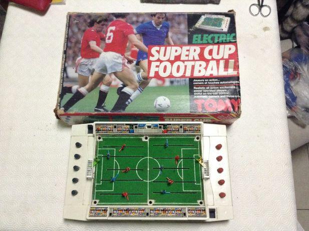 Super Cup jogo de Futebol a pilhas - TOMY - subbuteo - Futegolo