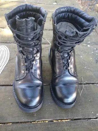 Sprzedam buty wojskowe