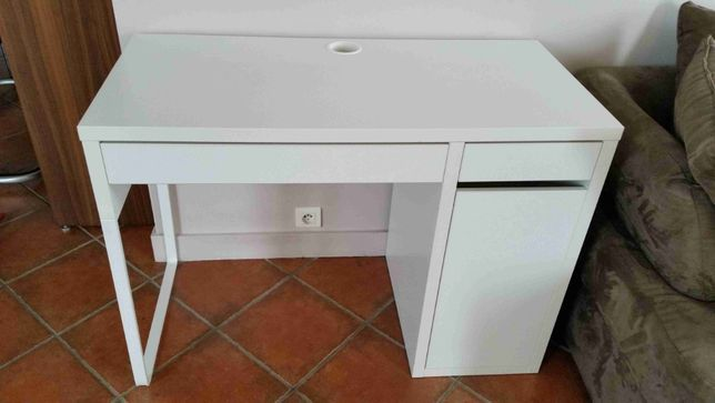 Письменный стол для школьника, белый, 105x50 см