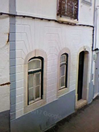 APARTAMENTO  R /C a restaurar, no centro de SOUSEL ( Estremoz )