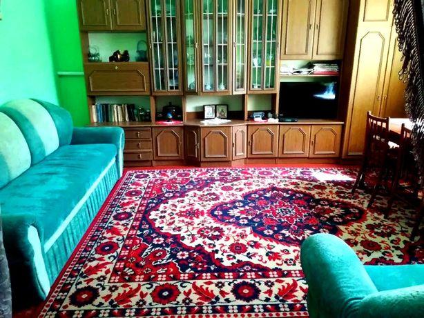 Продам двокімнатну квартиру+гараж+літня кухня