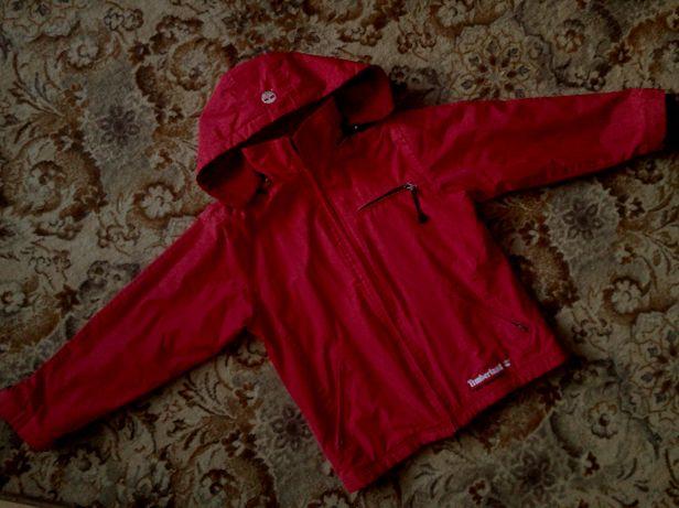 Красная осенняя куртка с капюшоном Timberland, размер S