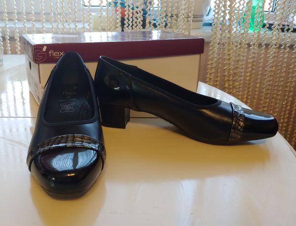 Женские кожаные туфли Flex 41р.(EU), 7,5 (UK)