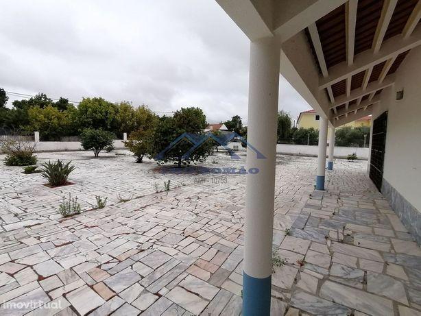 Moradia V4 Lagoinha - Terreno 3469 m2 (+ 1200 m2 de edificação)
