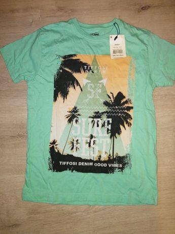 T-shirt nova. Com etiqueta. 7 anos. Tifossi.
