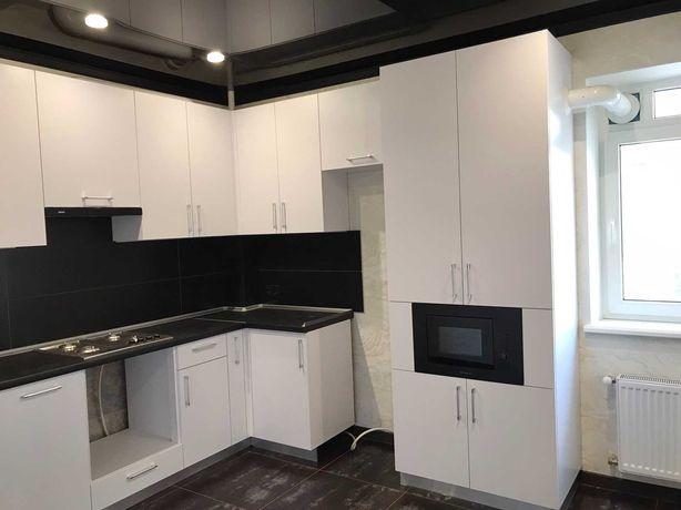 S Двухкомнатная квартира с ремонтом в новом доме возле парка Победы