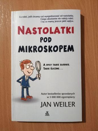 """Książka,, Nastolatki pod mikroskopem"""""""