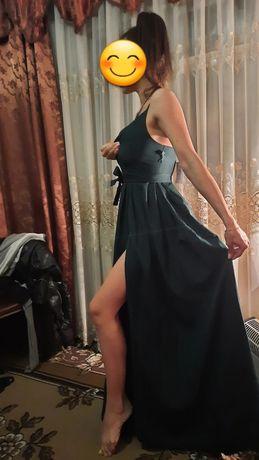 Продам два женских платья