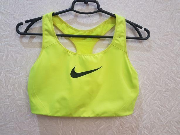 Топ для фитнеса Nike