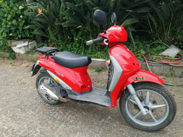 Mota Piaggio Liberty 50cc Vermelha.