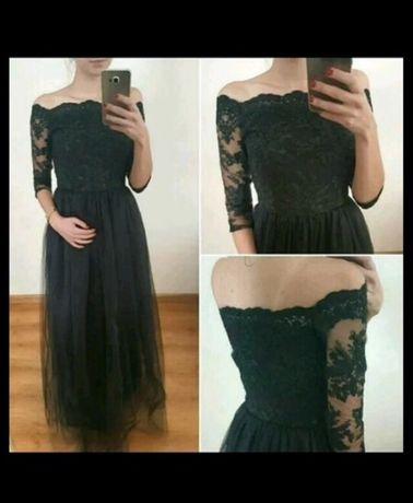 Czarna długa tiulowa sukienka na studniówkę