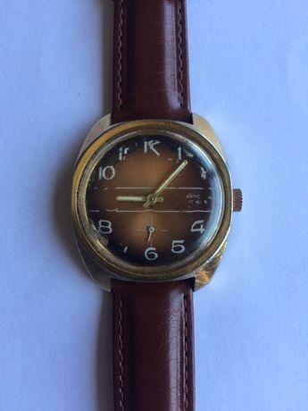 Relógio mecânico antigo