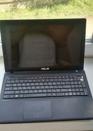 Ноутбук Asus X55A (на запчасти или ремонт)