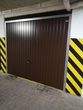 Miejsce parkingowe postojowe garaż hala garażowa os. Batorego 79
