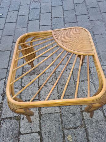 Stol z wikliny