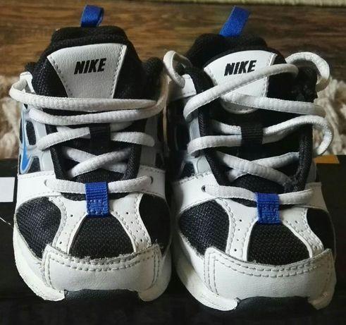 Buty sportowe Nike dla malucha