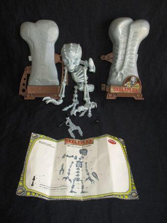 Brinquedo de Montar Skeleflex Alliens Skullkor