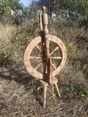 Продается деревянная ретро прялка