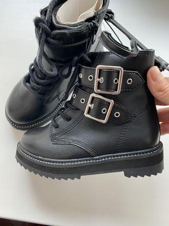 Ботінки, ботики , обувь