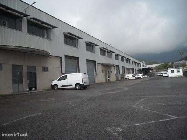 Loja com 1.000 m2 situada na E.N. nº10 entre Alverca e So...