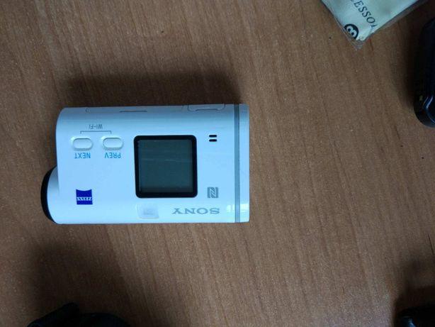 Kamera sportowa sony HDR-AS200v z dodatkowym osprzetem