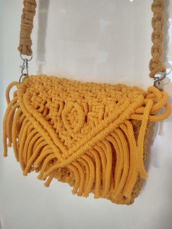 Unikat torebka makramowa w kolorze musztardowym