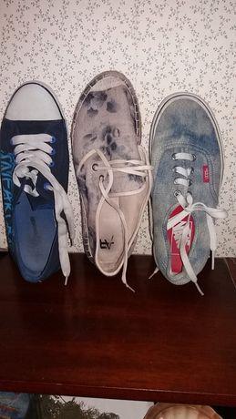 много обуви в разных размерах