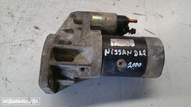 Motor de arranque Nissan d22 2000