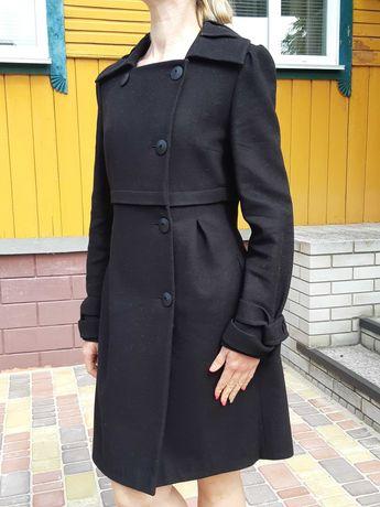 Продаю чёрное пальто шерстяное б/у