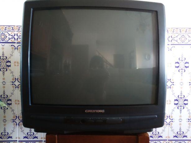 Televisão Grundig (60cm)