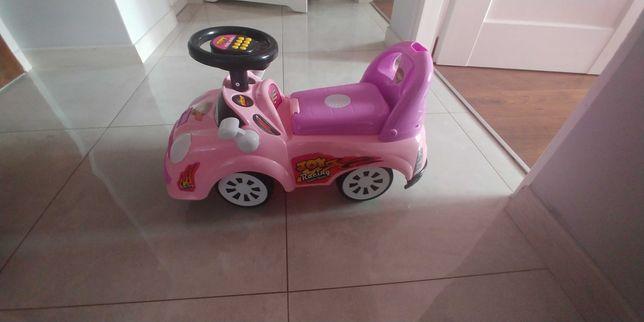 Jeździk samochód dla dziewczynki