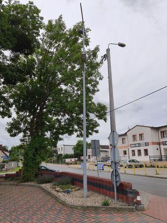 Słup Elmonter 9 metrów z lampami i fundamentem