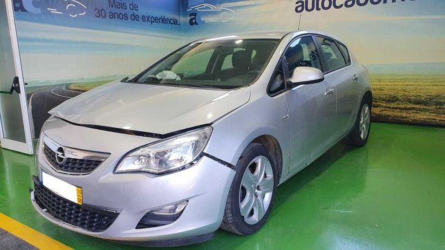 Opel Astra 1.3 CDTI - Salvado