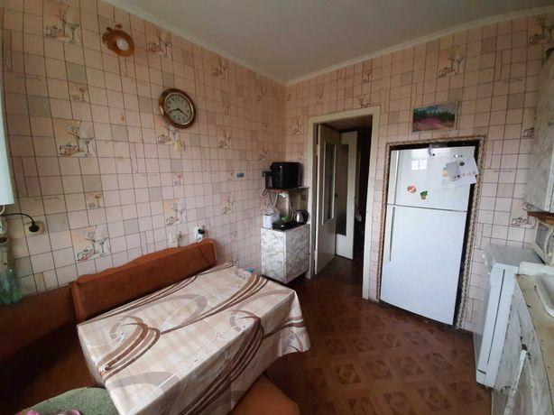 Продам квартиру 3 комнаты возле ДОФа