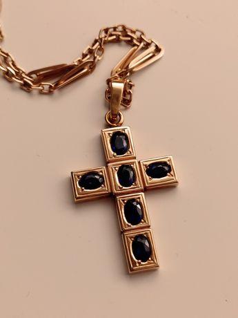 Złoty krzyż krzyżyk łańcuszek złoty szafir szafiry