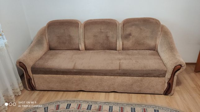 диван розкладний у вітальню