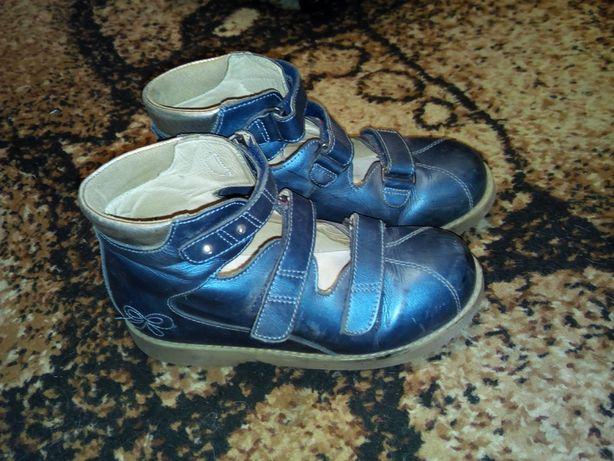 Ортопедические  туфли в отличном состоянии